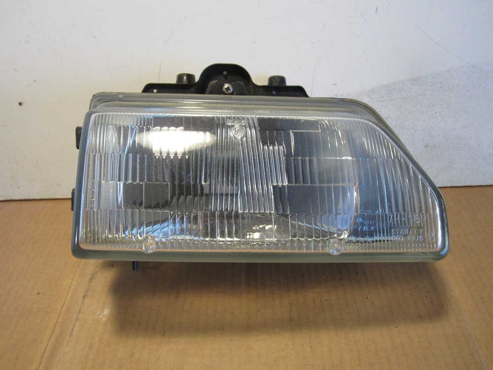 1986 1987 Honda Crx Si Passenger Side Stanley Headlight