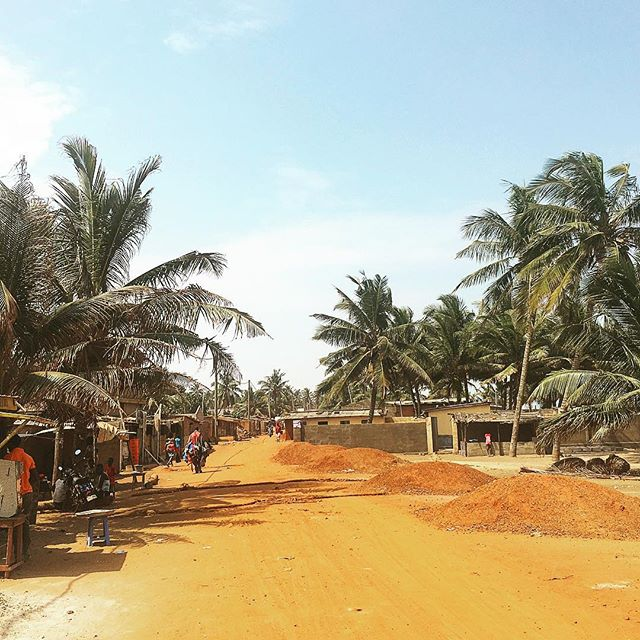 Coast road at Aflao beach, heading towards Togo