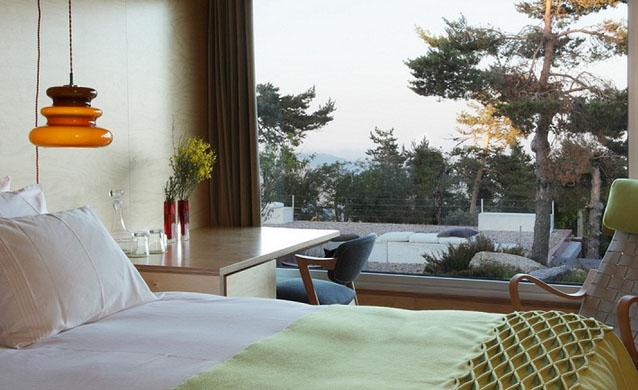 hotel room 3.jpg