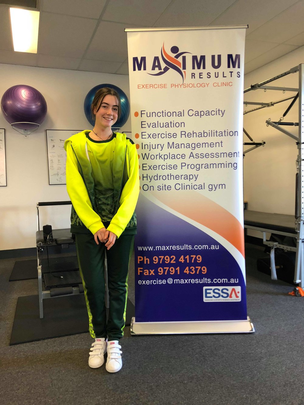 Maddison Bright - Congratulations to one of our talented athletes, Madison Bright, who came 4th overall in the Chapatim Roller Cup 2018 that took place in Matosinhos - Portugal. The competition was held over 3 days from the 3rd April until the 7th April 2018. Over 17 participants from many countries competed at this competition. Madison was one of three talented athletes that were from Bunbury. With the professional training by Director Marg Rhodes, Madison trained 3 times a week at Maximum Results. Not only was she training at our premises, Madison also trained 6 times a week at The Rink in Bunbury and 3 times a week completing off skate.