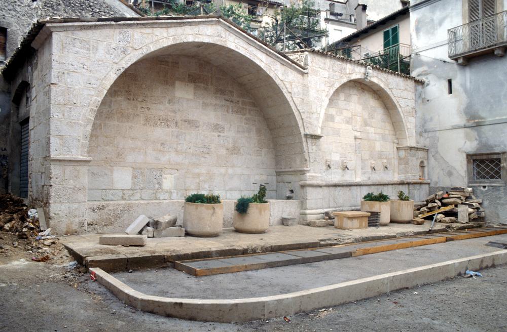 RESTAURO DI DUE FONTANE MONUMENTALI Scanno, 1992