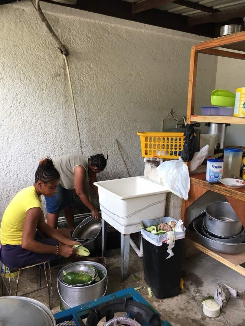 Maison_des_Anges_Küchenrenovation_Küchenutensilien.jpg