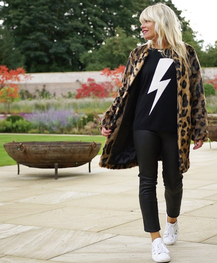 Not sure how to dress down your leather leggings? White trainers do the trick! @thefashion_lift