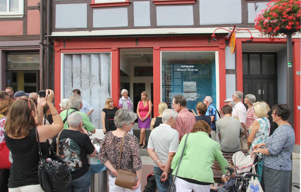Eröffnung eines Zeitfensters in Lüchow: Inge Pehlke erzählt von ihrer Lieblingskamera