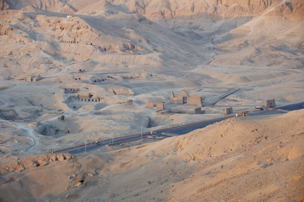 Luxor_Valley_of_the_Kings.jpg