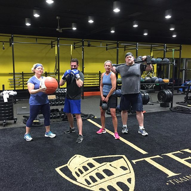 The wrecking crew here at 530am! It's kinda like that pic in the day with your 4 favorite sport athletes striking a solid pose! #fun #tfw#trainmorefearless @shure_mike @dknickerbocker18