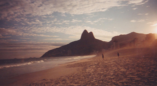 Bebel scented candle - Rio de Janeiro, Brazil. fragrance notes: Duchesse de Nemours peony, pear D'Anjou, guava, ylang-ylang, sandalwood, musks