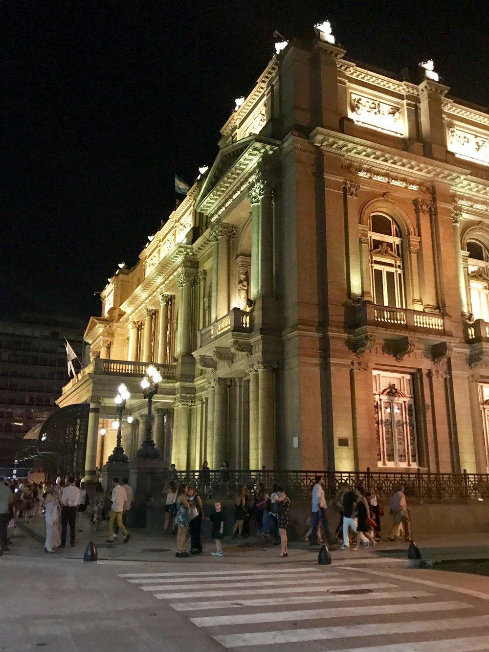 Teatro Colón @frassai #sensorialexperience