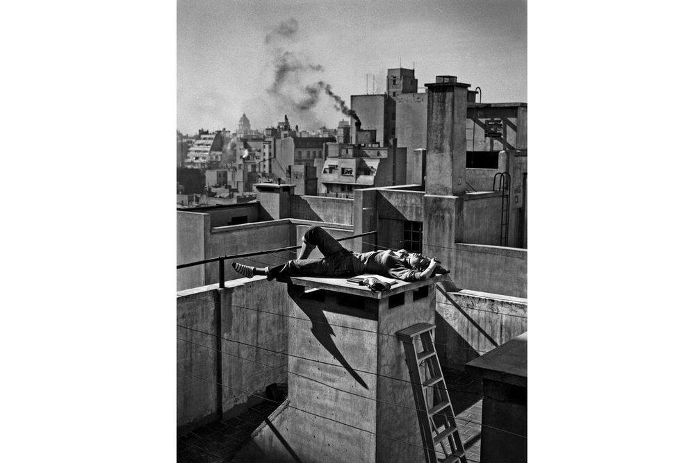 """Annemarie Heinrich, """"Veraneando en la ciudad"""", 1959"""
