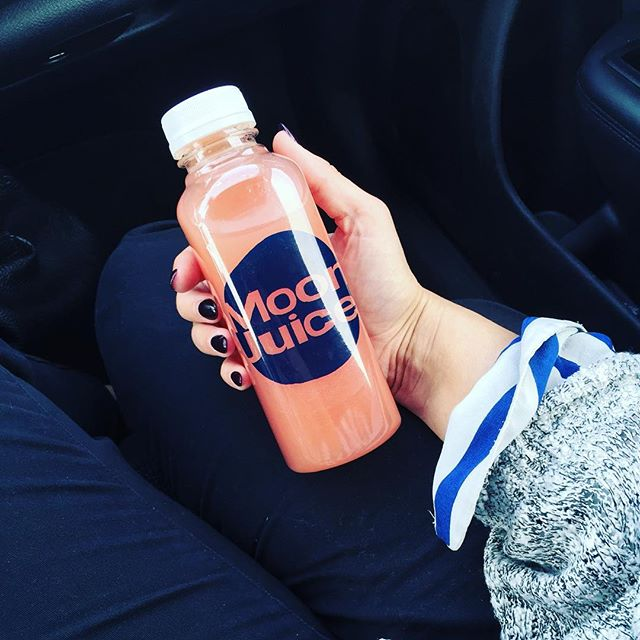 #throwback to this amazing #moonjuice I grabbed in Venice beach. Dreaming of warmth + sun. #calidays #venicebeach