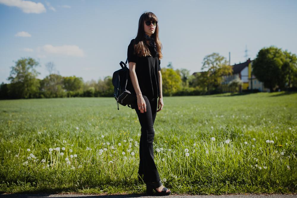 flared jeans kombinieren fashionblog österreich