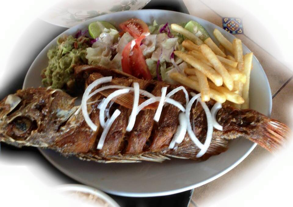 Prescado frito (fried fish) special. Photo credit: Siete Mares