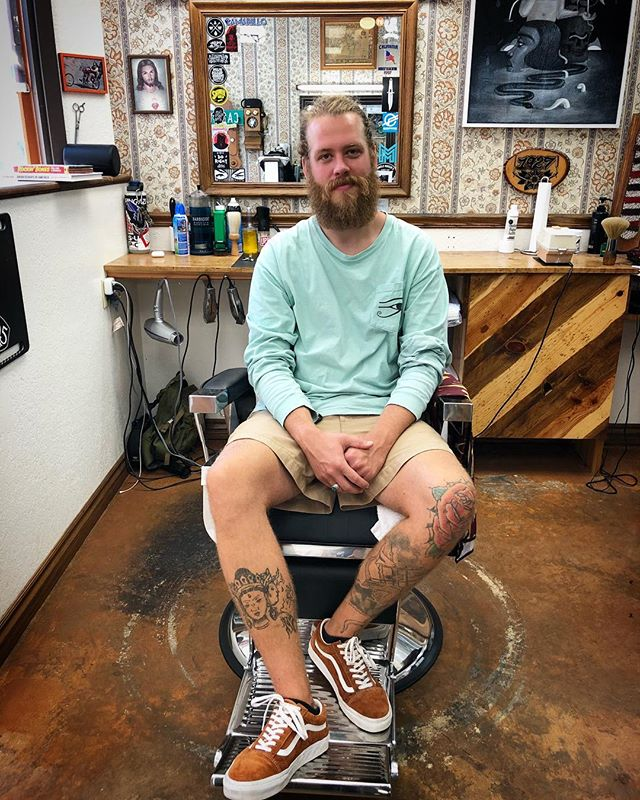Today we would like to introduce our newest member to the team, Chadwick. He was introduced to us by mutual friends from @warfleighbarbershop in Indiana where Chadwick is originally from.  Thanks for the introduction guys! Good barbers are hard to come by and we think @chadwickbrian is a perfect fit for us.  Welcome to the team man!  #thefutureisbright #camarillosfinest #barbershop #1927camarillo #1927barbershop #shinergold