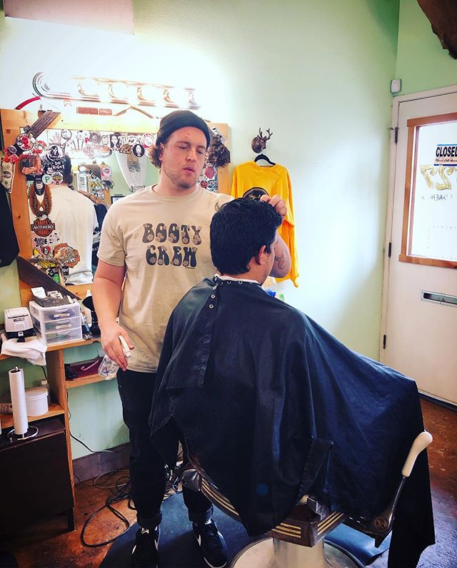 Zach's doing it for the ladies.. Haircuts that is.  #midtownsfinest #barbershop #1927barbershop #softbodycrew #bootycr3w