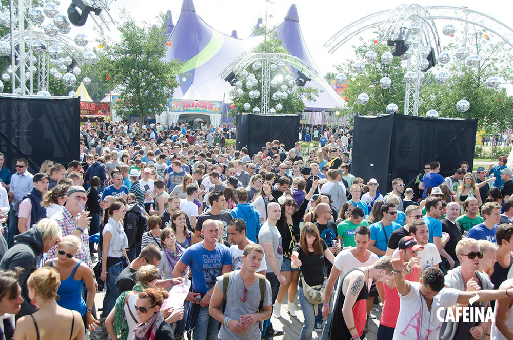 2011_cafeina Tomorrowland_foto3.jpg