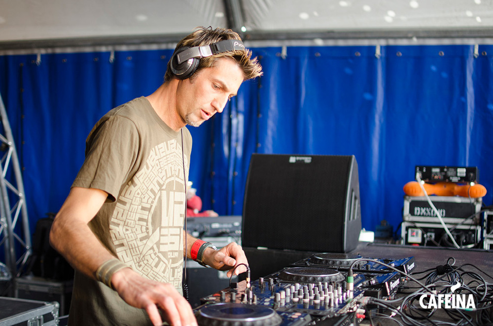 2011_cafeina Tomorrowland_foto7.jpg
