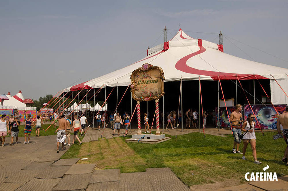2011_cafeina Tomorrowland2.jpg