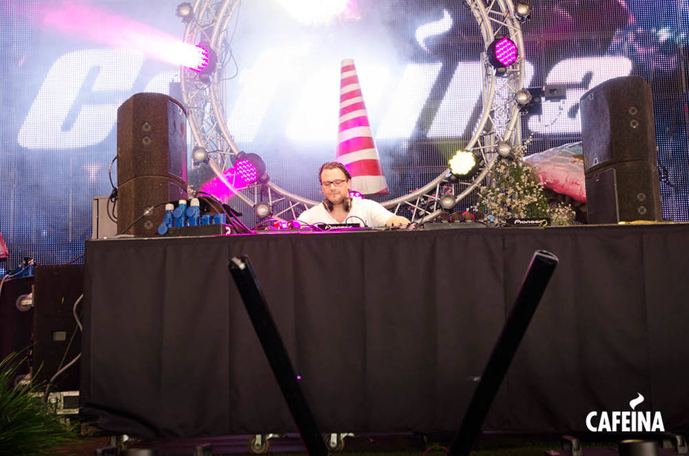 2011_cafeina Tomorrowland7.jpg