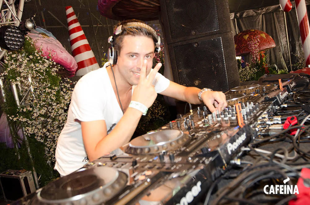 2011_cafeina Tomorrowland12.jpg