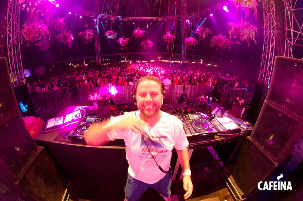 2011_cafeina Tomorrowland35.jpg
