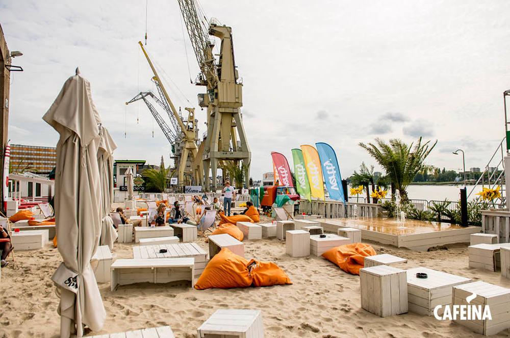 2013_cafeina Beach.jpg