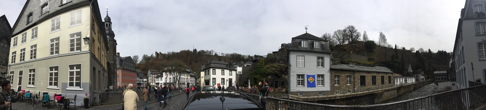 This past weekend, we took a day trip to Monschau where we visited their Historic Mustard Mill, picked up some delicious coffee from a local rosterie, and wandered about this adorable little town.