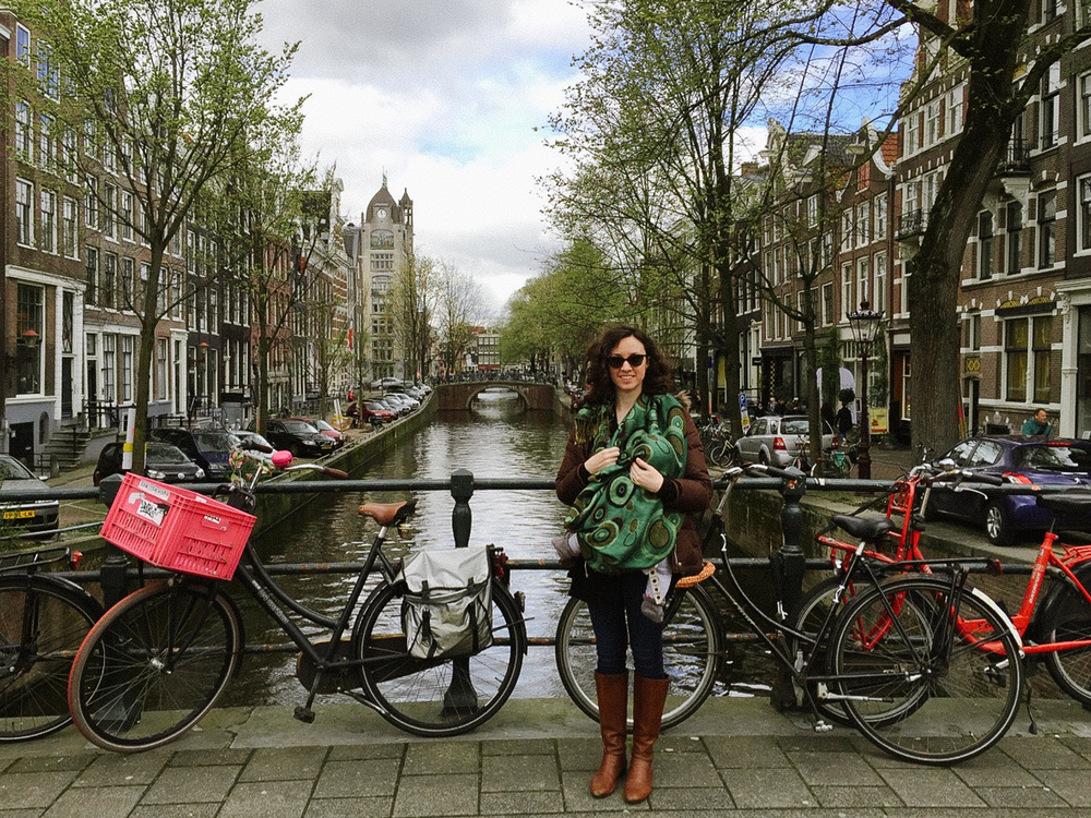 Nursing on the go in the Ergo carrier / Amsterdam Canal / iPhone