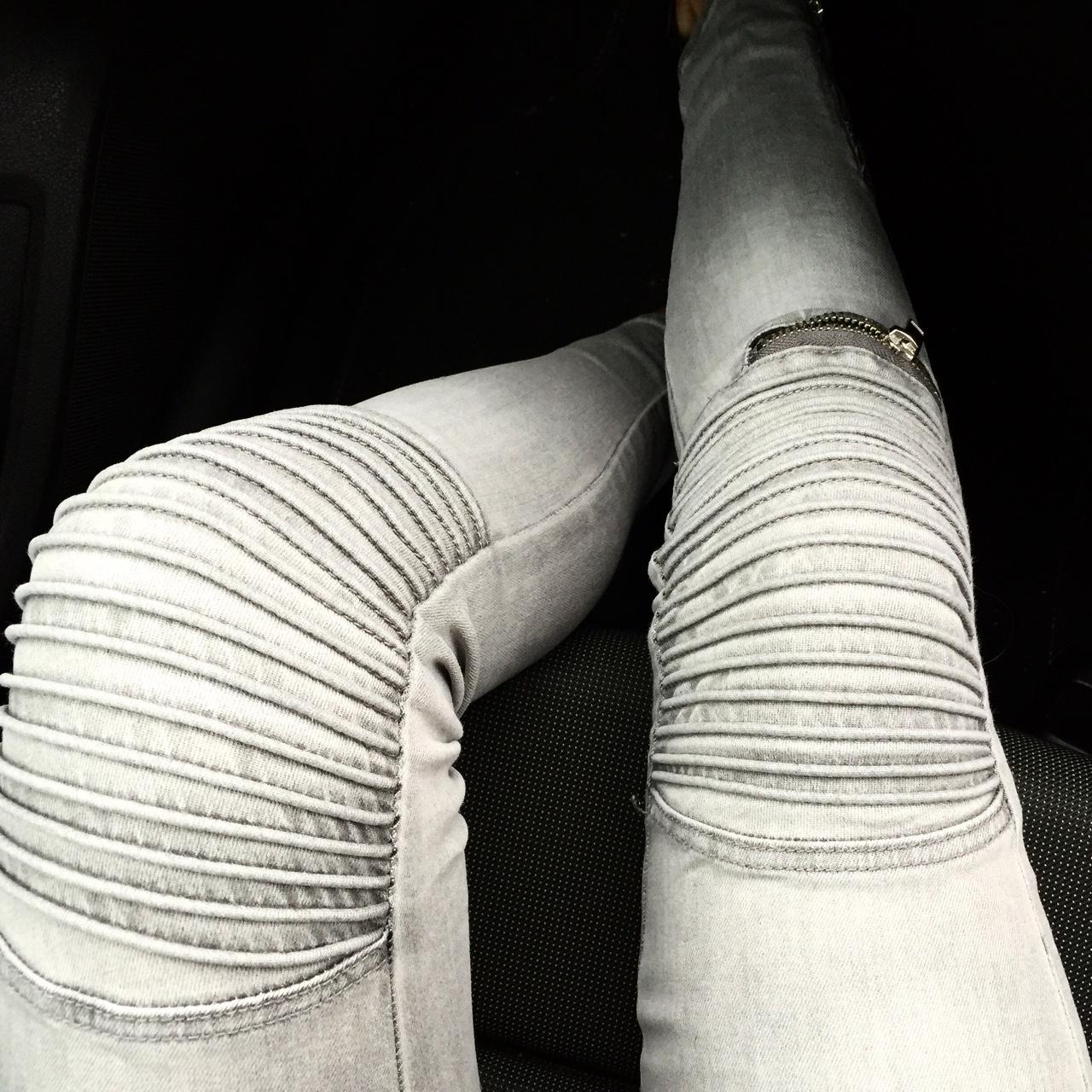Biker Jeans Grey Biker Jeans from H&M (hmstreetstyle) with ridges & zip details. //SHE