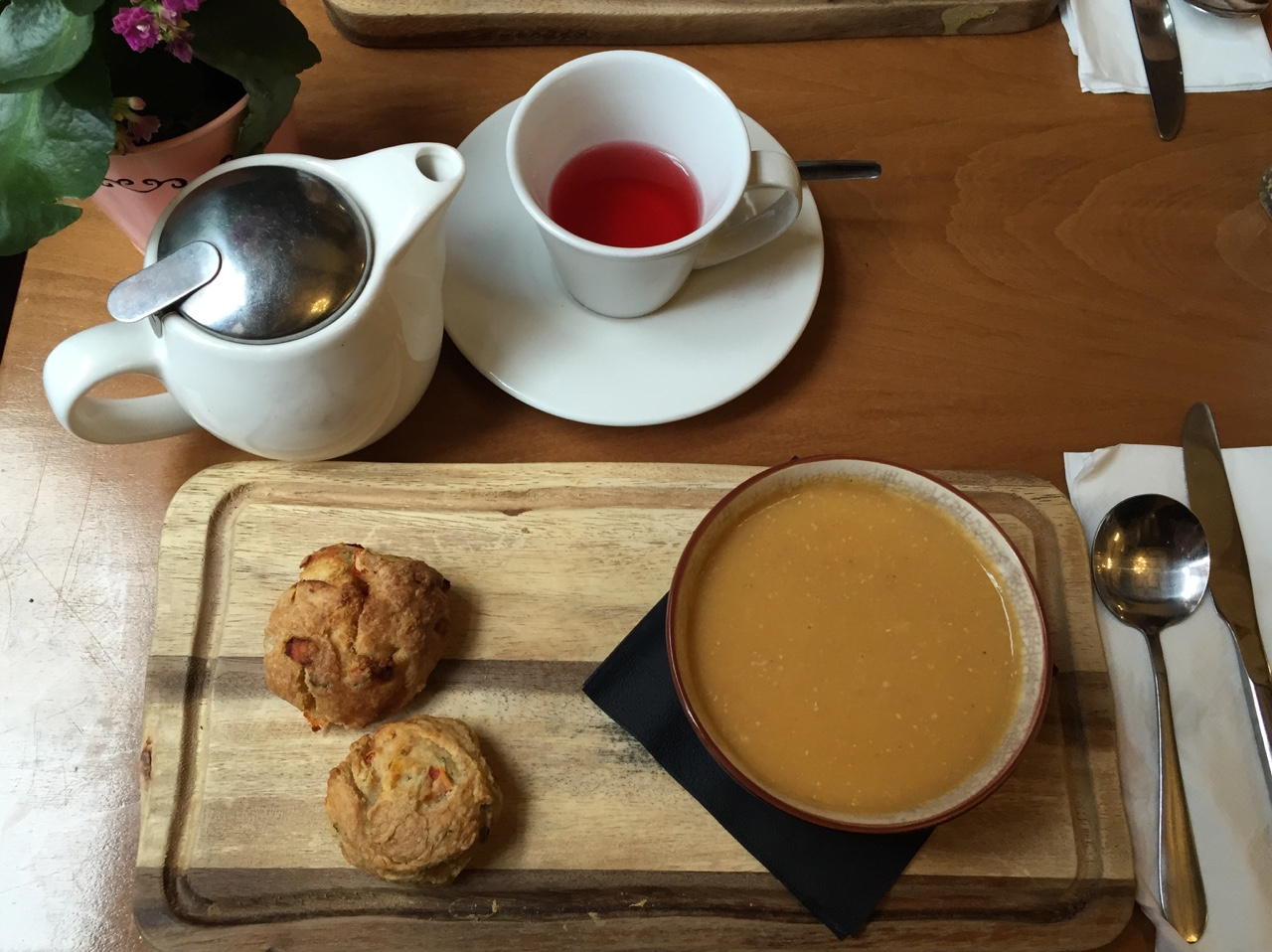 Afternoon Tea & Soup Perfect lunch in Cup Tea Lounge in Glasgow- Ham & Lentil Soup with Tomato and Cheese Scones and a Tea Delight Tea from their on going tea selection. //SHE