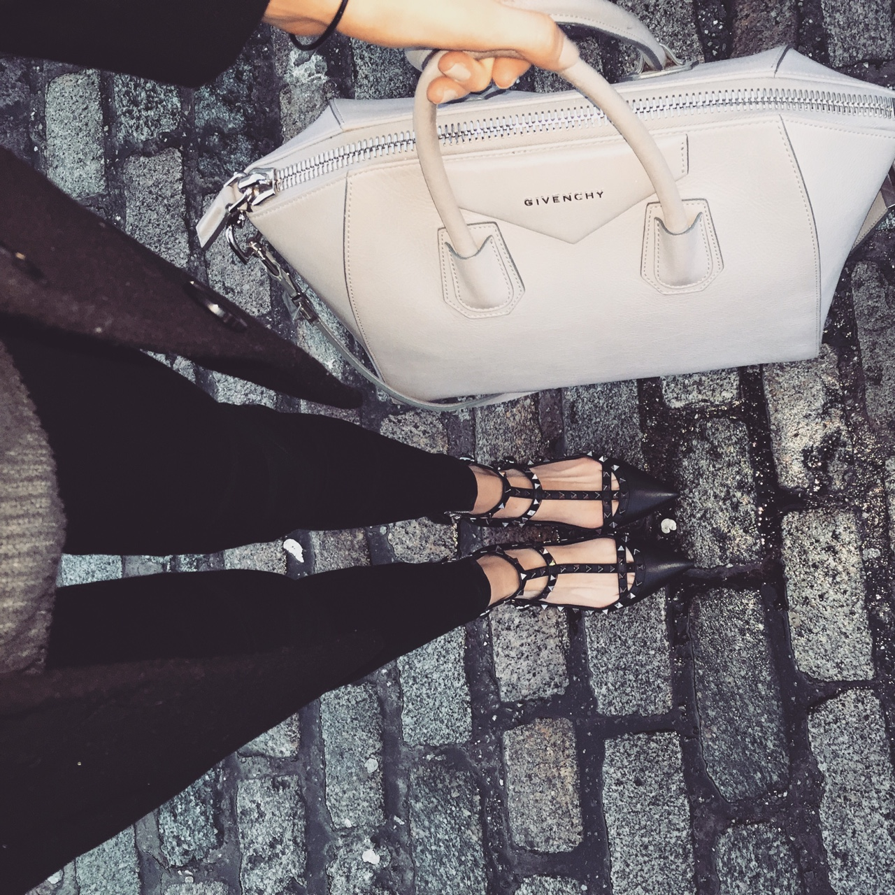 Street Style Grey Knit from Mango, Black Jeans & Coat, Black Leather Valentino Rockstud Cage Flats and Grey Givenchy Antigona Bag. //SHE