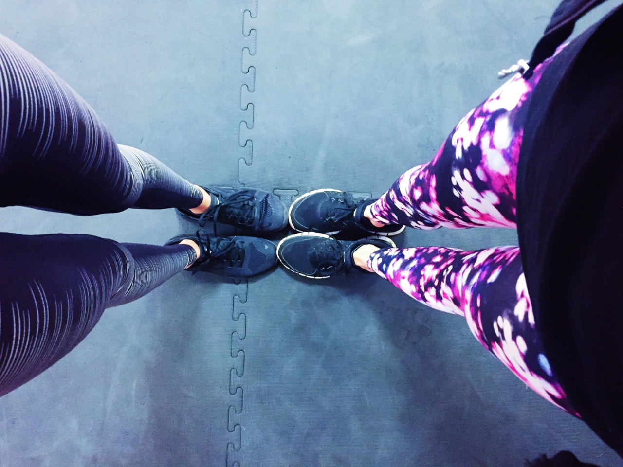 Training Attire Early Training Session this Morning in Nike Flash Leggings (Left) & H&M Print Leggings (Right) with Black Nike Trainers- WorkoutFashion //SHE