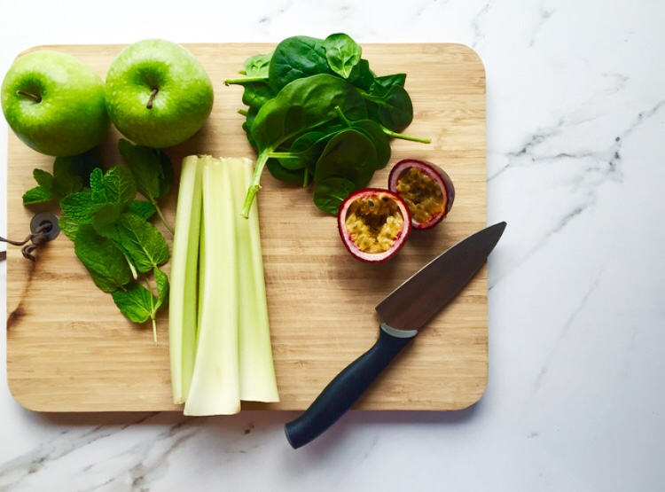 Juicy Saturday There is nothing better than a fresh green juice to start the day, I can't wait to try new juice recipes from my favourite food blog WeEatWhat! (Instagram @WeEatWhat) S H E