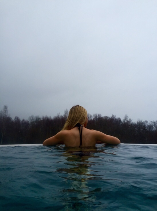 Spa Sunday Relaxing Sunday at The Carrick Spa at Loch Lomand. I loved the saunas, hot beds and mud chamber but I especially loved the outdoor infinity pool overlooking the Carrick Golf Course- Amazing! S H E