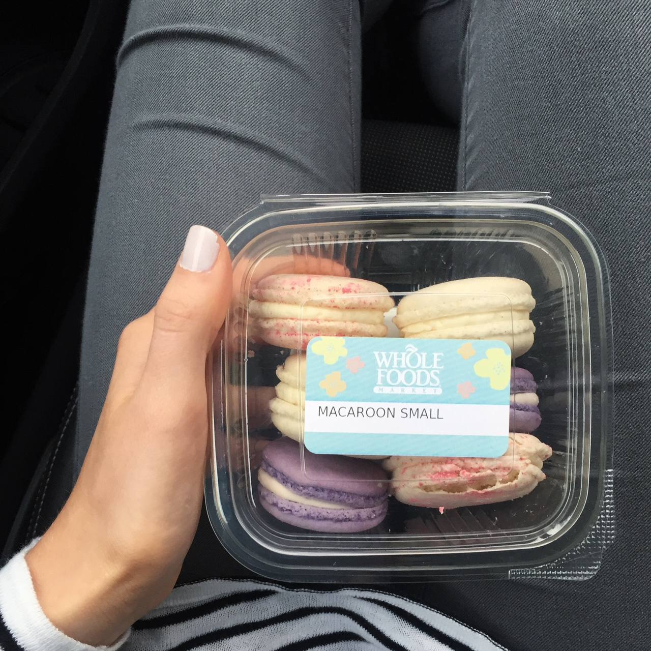 Macaroons to go! Whole Foods macaroons are little bits of joy! I love the different selection of flavours- my favourites are vanilla, peach & strawberry, lavender (which tastes like parma violets!) and champagne! S H E