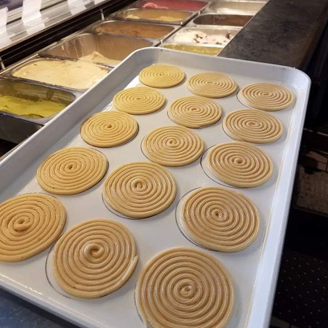 We are piping away making churro disks for our #churroicecreamsandwiches for a busy Cinco de Mayo weekend! Hope to see soon!  #dinela #eeeeeats #infatuationla #instafood #instagood #forkyeah #losfeliz #churroborough