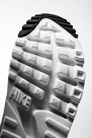 Nike_Air_Max_90_Ultra_Superfly_T_4_53863.jpg