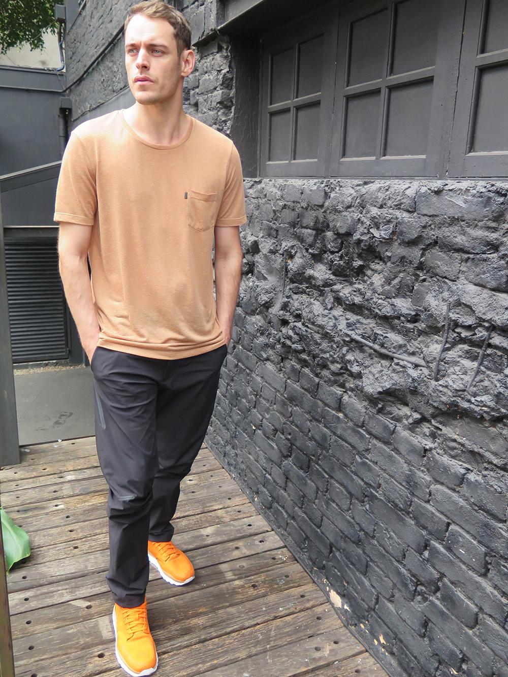 T-shirt CZO APPAREL (sale), calça e tênis NIKELAB