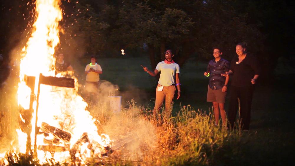 bonfire02.jpg