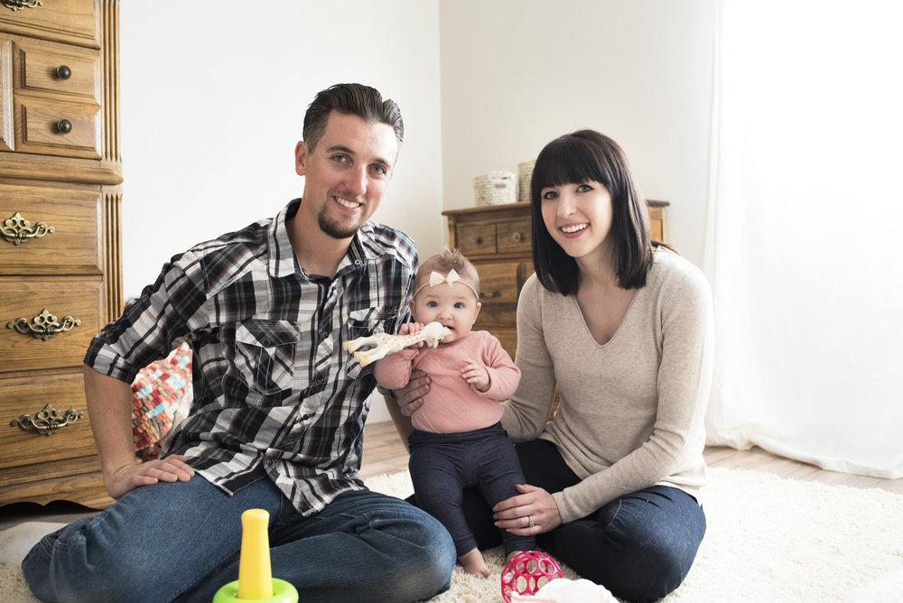 darling family photos at home // via www.darlingbebrave.com