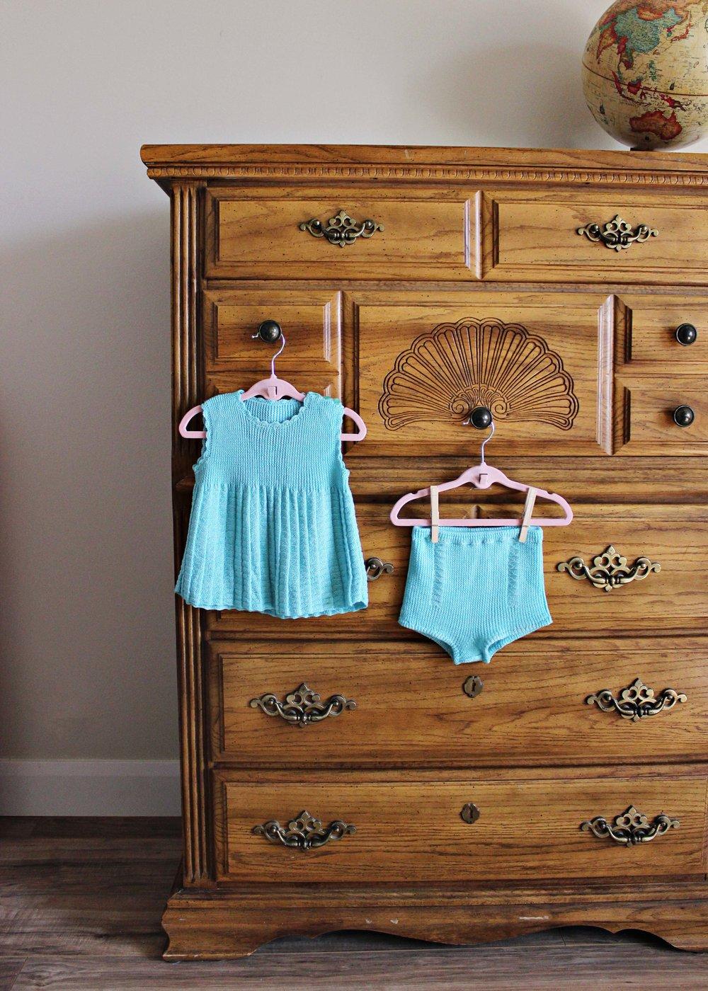 family heirloom knit dress // via www.darlingbebrave.com