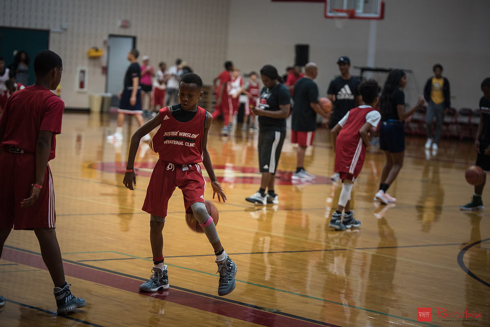 rhff_basketball_clinic_sunday-2.jpg