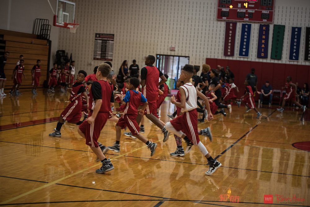 rhff_basketball_clinic_sunday-3.jpg