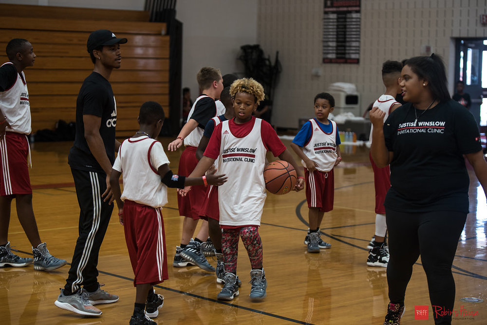 rhff_basketball_clinic_sunday-52.jpg