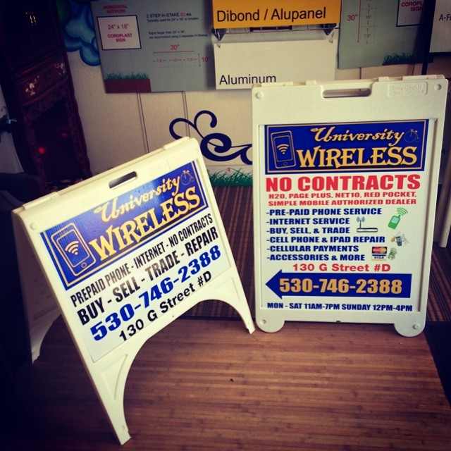 Aframe signs for University Wireless now open in  #Davis Ca! 📲💻📡