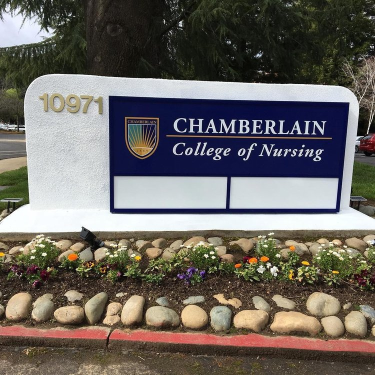 Monument refaced and touched up painting for Chamberlain School of Nursing. We used solar flood lamps for night illumination. We will stop by this week to see how this effect turns out! Stay tuned... 👩🏻⚕️📚📝