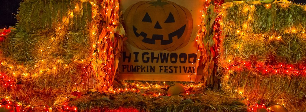 Highwood Pumpkin Festival Diverse and culturally rich neighborhood Active military reserve base Outdoor summer movie nights for families Annual Community Day party in the meadow Weekly Farmer's Market and more!