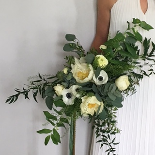 white oversized bouquet