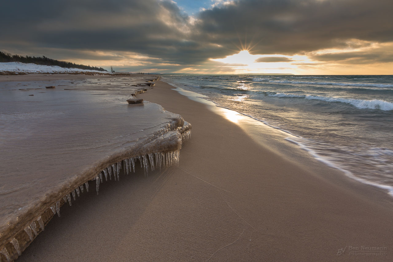 Ben_Neumann_fine_art_Sleeping_bear_dunes_frozen_shore