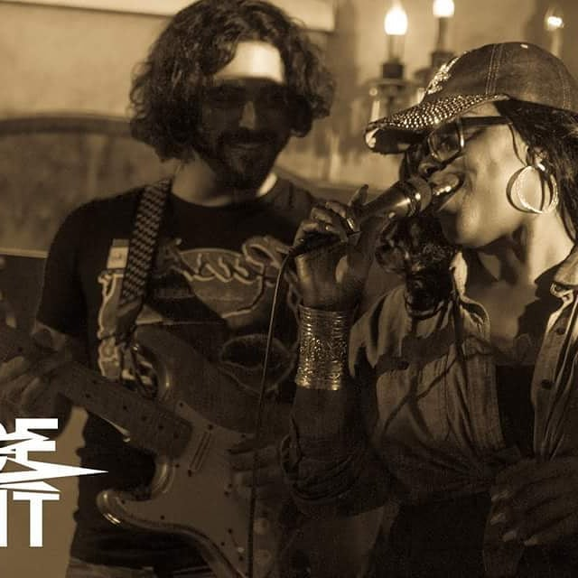 This one was floating around in @thajuicejoint  fb page from a few weeks ago. We were having a great time. Wish there was video because this was an inspired moment. Been an extra crazy month, but will be back to play with the extended family on monday night! #soul #thajuicejoint #🙋‍♂️ #rhythm #groove #guitar
