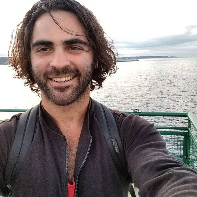 Never been on a ferry in my life (not even the block island ferry 😩)...then i went on three in as many days. The final one was meditative, introspective, and a wicked solid selfie opp.